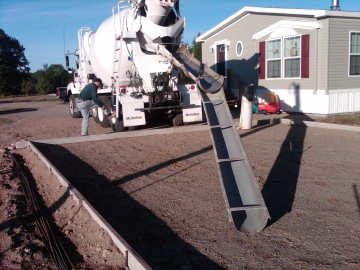 Pouring a concrete slab how to pour a concrete slab from for Best temperature to pour concrete foundation