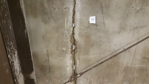 Foundation crack repair what to use to fix cracks in concrete walls heres a look at one of the cracks in this foundation most of them were like this some were not so wide as you can see like most of them solutioingenieria Image collections