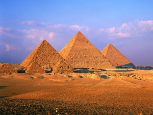 The history of concrete starts with egyption pyramids