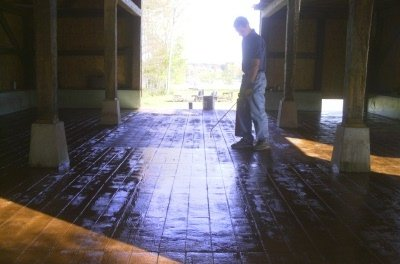 Stamped concrete barn board pattern